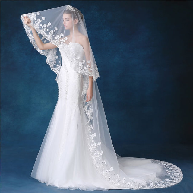 Wedding Veil Lace Edge Rhinestone Crystal Veils Long Tulle Wedding Accessories Beautiful Bridal Veil Voile Appliqued A0015