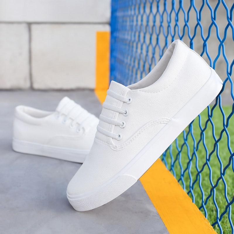 Prix pour 2017 D'été Hommes Chaussures de Marche Confortable Doux Plat Loafters Classique Dentelle-up Blanc Noir Couleur Toile Chaussures Pour Hommes