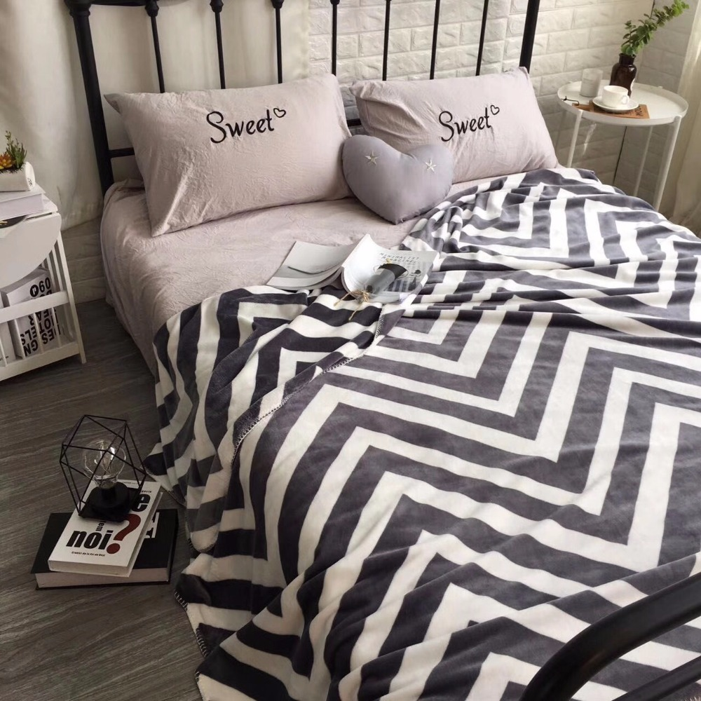Multi-useful durable twin size 150*200 geometric flannel blanket, wearable comforter ,bed cover , sofa blanket, car nap blanket double sides reversible mysterious style blanket 130 160cm durable wearable comforter sofa cover cloth pet blankets floor mat