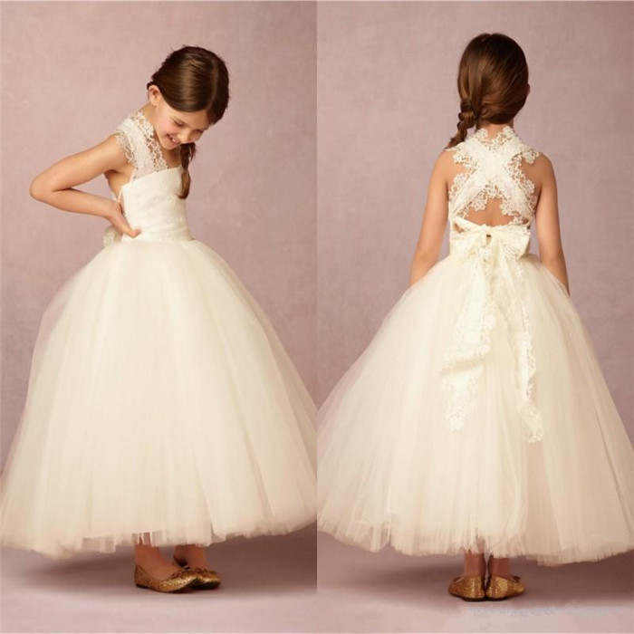все цены на 2017 Criss Cross Back Lace Applique Cheap Flower Girl Dresses Ball Gown Princess Lace Ivory Tulle First Communion Gown Custom