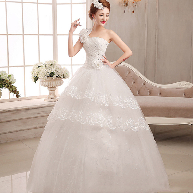 Most Beautiful Ball Gown Wedding Dresses: Most Beautiful Bride Boat Neck Simple Elegant Sequined One