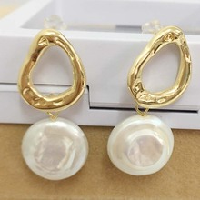 FREE SHIPPING 100% nature freshwater pearl earring,925 silver hook,AAA round Pearl,15 mm coin shape baroque цены онлайн