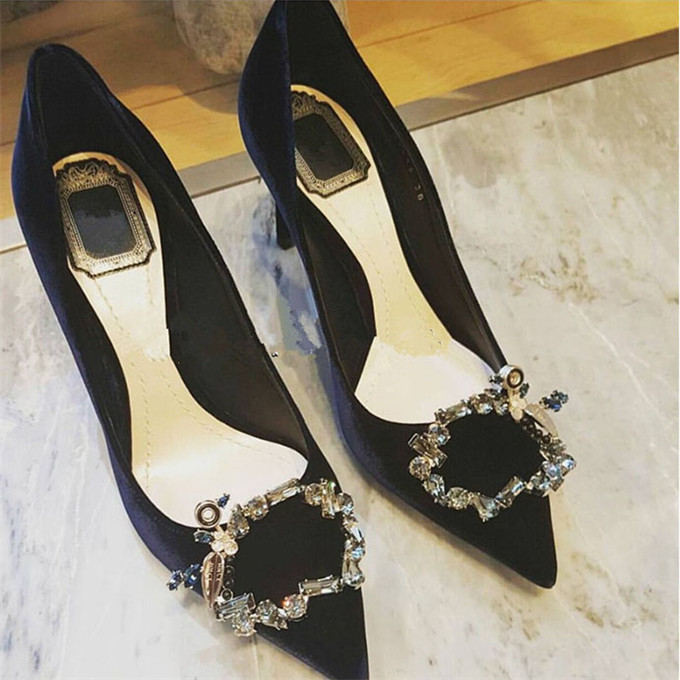 ФОТО 2017 Spring New Arrivals Fashion Black Suede Leather Women Pumps Square Buckle Pointed Toe Female Shallow Shoes Party Shoes