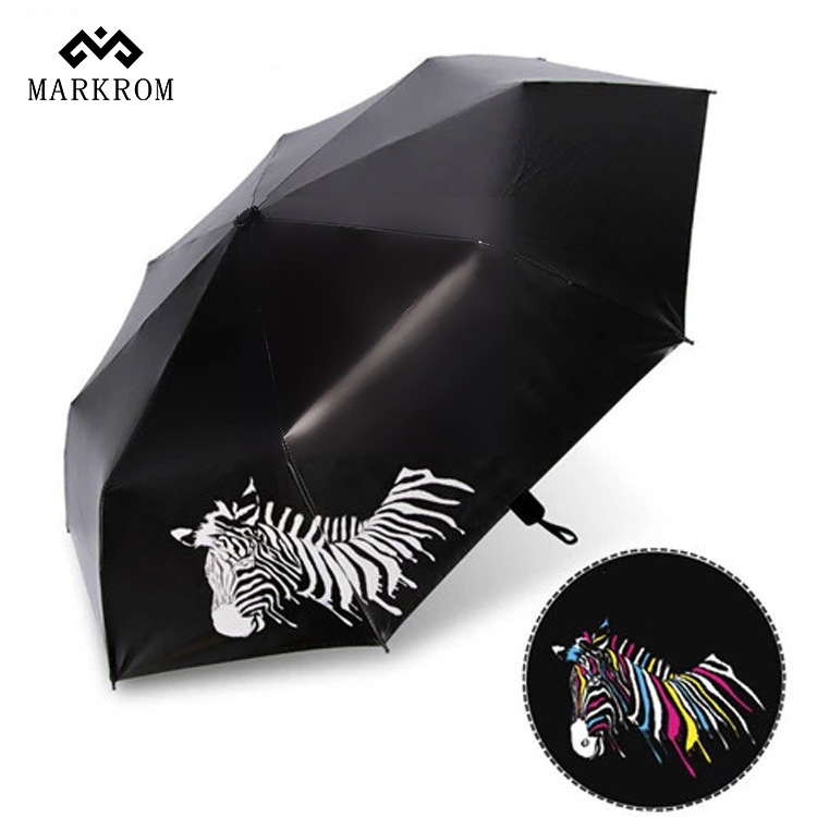 2017 New Fashional color change print folding super large creative umbrella with advanced technology ensure your safety in rainy