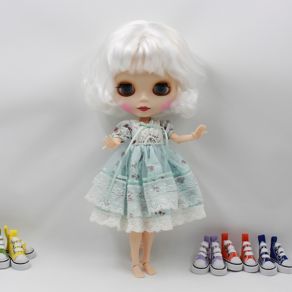 Neo Blythe Doll with White Hair, White Skin, Matte Face & Jointed Body 2