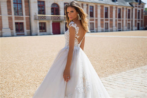 Image 4 - Boho 2020 קו תחרת אפליקציות סקסית ללא משענת חתונת שמלות לבן נסיכת כלה שמלה בתוספת גודל gelinlik