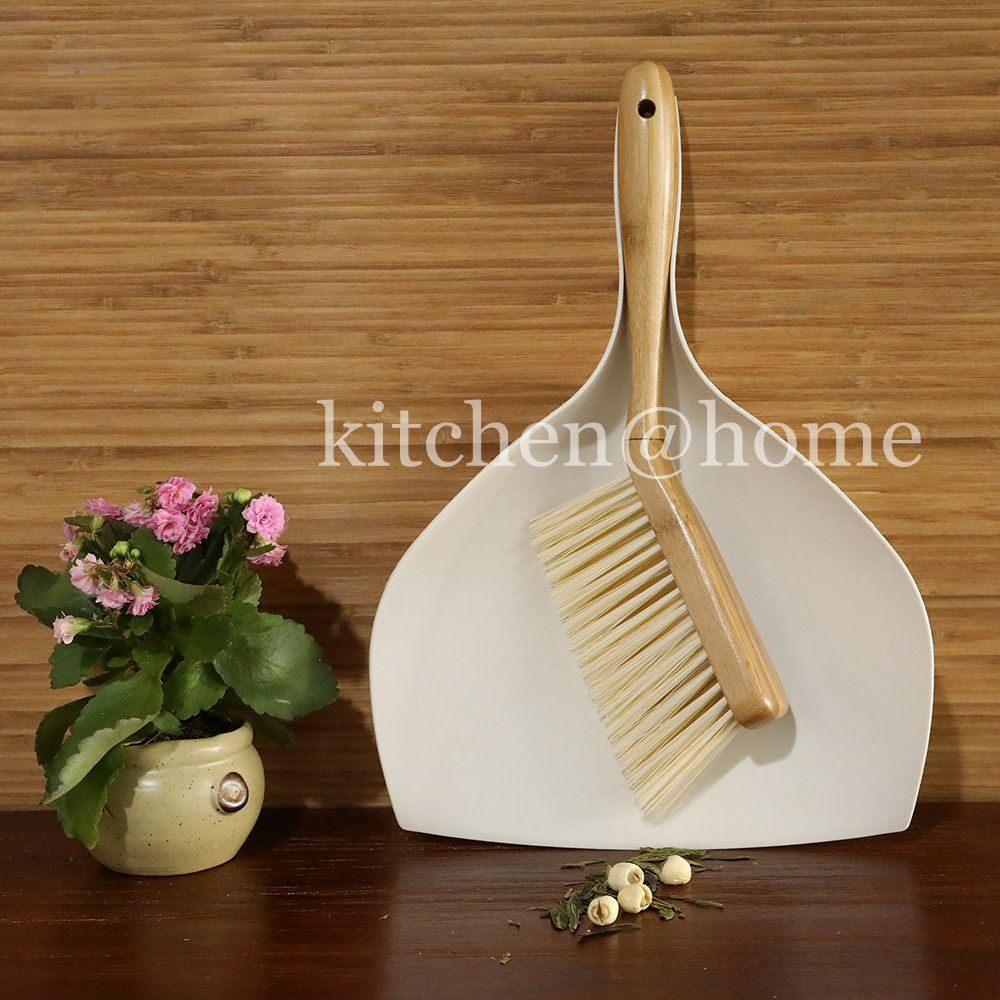 Desktop Tatami Brush and Dustpan Sets Big Size Multi Function Comfort Grip Broom with Bamboo Handle Cleaning Tools QJ006