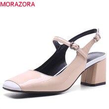 أزياء امرأة عالية أحذية