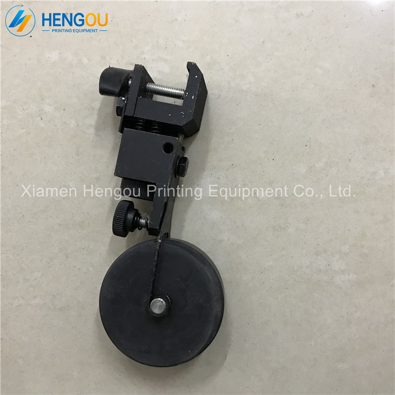 2 Piece free shipping Heidelberg Printing Machine Parts Adjustable distance hard Paper wheel for Heidelberg CD102 Printer 1 pair heidelberg feeder paper wheel for sm102 cd102 printing machine feeder press paper wheel