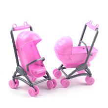 1pcs Dollhouse Furniture Lovely Doll Baby Carriage Plastic Baby Stroller + 1 Random Doll Toy accessory For Barbiee Sisiter Kelly