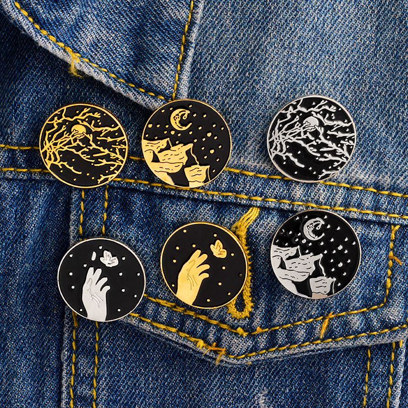 Home & Garden Apparel Sewing & Fabric Symbol Of The Brand 1 Pc Metal Brooch Collar Pins Alloy Brooches Jeans Shirt Handbag Badges On Backpack Anime Clothes Cartoon Pin To Be Distributed All Over The World
