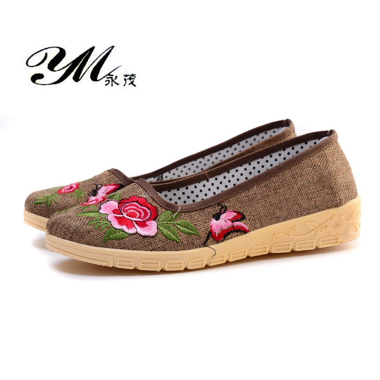 YM Fashion Chinese Style Embroidered Cotton Shoes Women Lightweight Soft Bottom Flat Shoes Sweet Lady Casual Breathable Shoes hot sale 2018 new fashion lightweight breathable shoes leather flat women shoes comfortable classic style casual sneakers