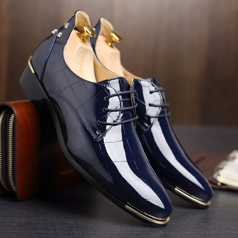 Fashion Popular Patent Leather Men Shoes Brand Casual Oxfords Shoes Breathable Men Flats Shoes Big Size Men Moccasin Blue 8 new brand cow suede men shoes genuine leather casual shoes breathable comfortable men oxfords shoes fashion men flats 2 5a