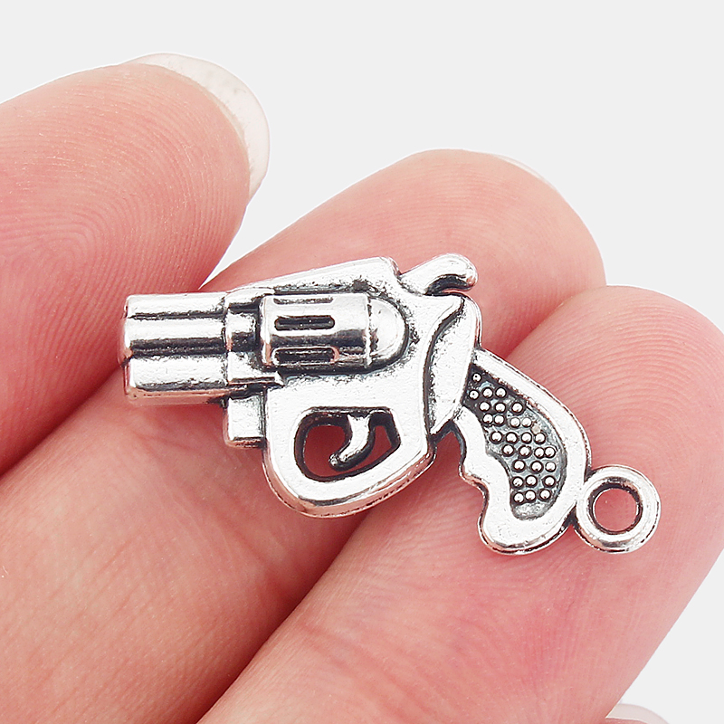 20Pcs Antique Silver 3D Revolver Hand Gun Pistol Charms Pendants Beads For Fashion Jewellery Making