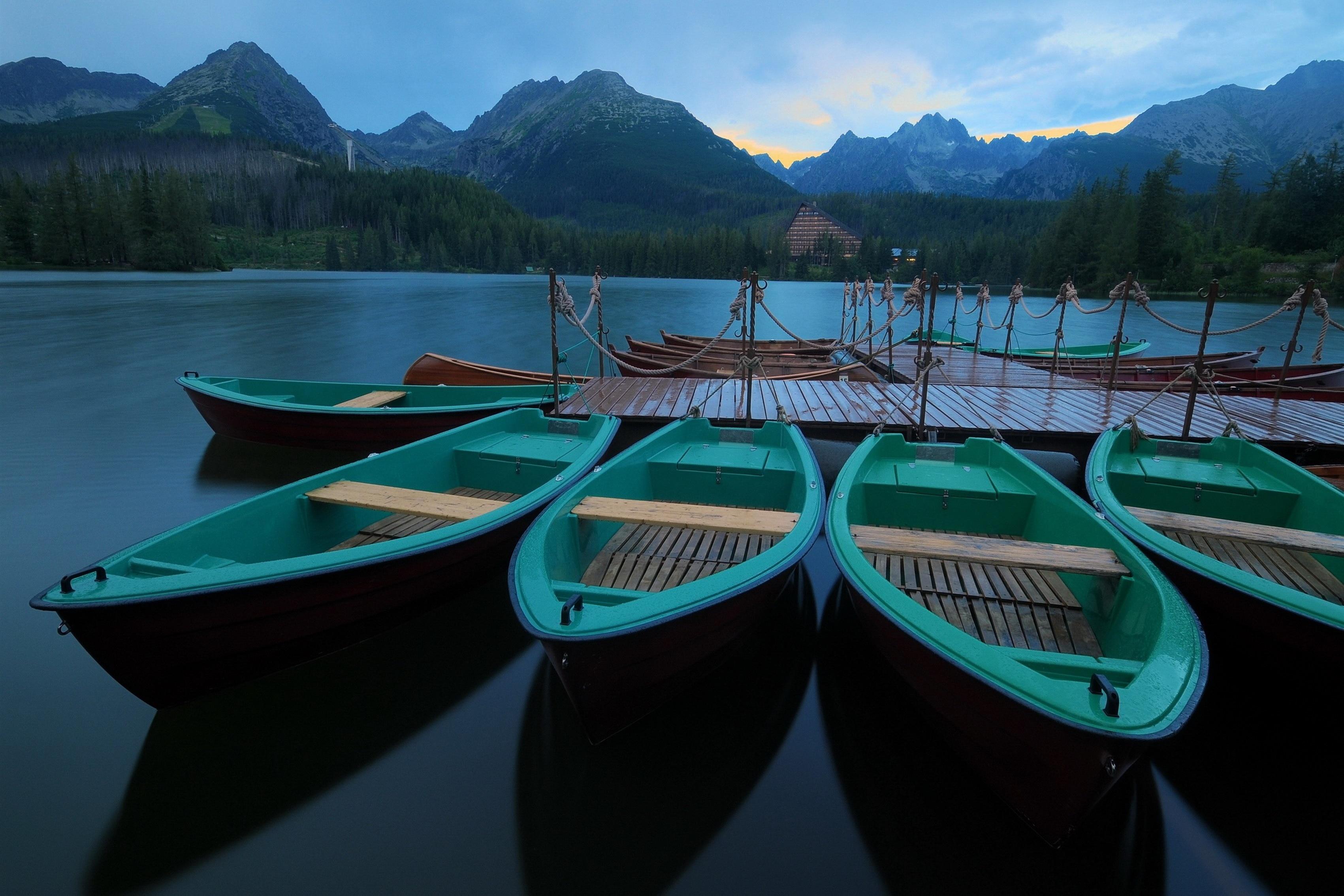 Украшение дома горы лес спокойствие Озеро Лодка Pier утренний Шелковый Ткань плакат печать 312fj