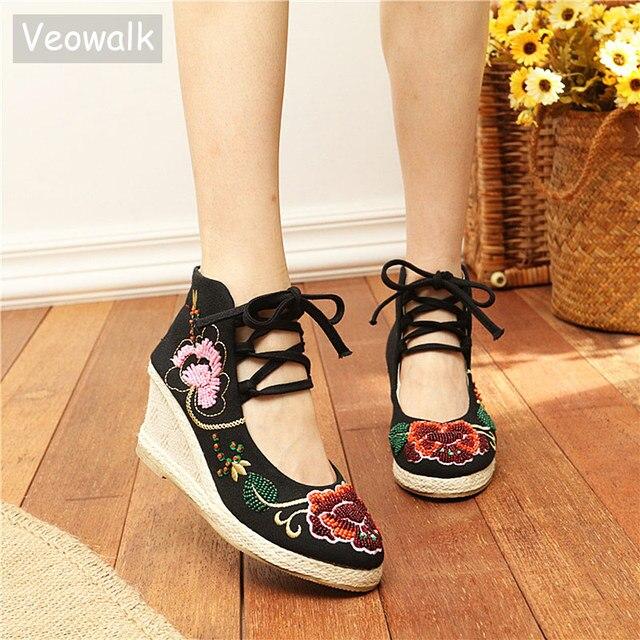 Veowalk Originale scarpe di Tela delle Donne Ricamato Incastrato Pompe Cinturino Alla Caviglia Delle Signore Retrò Casual Metà Tacchi Piattaforme Scarpe In Tessuto di Cotone