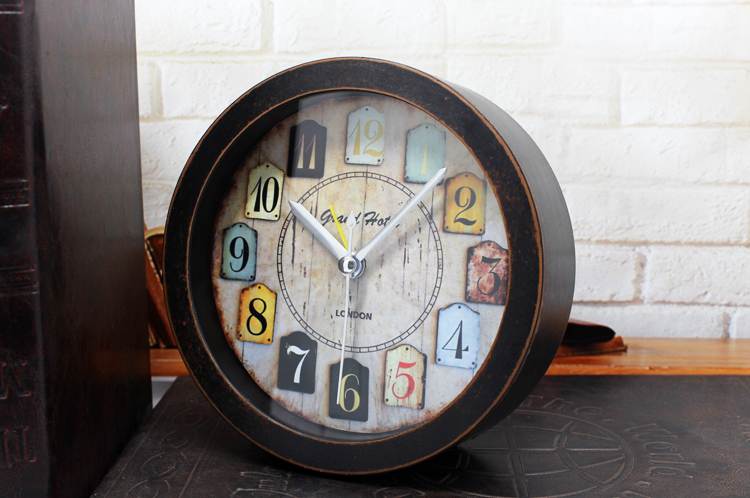 9015a8eefa4 OUYUN Desk Alarm Clock Vintage Wood Dial Timer Single Face Table Watch  Needle Square Figures Relogio De Mesa
