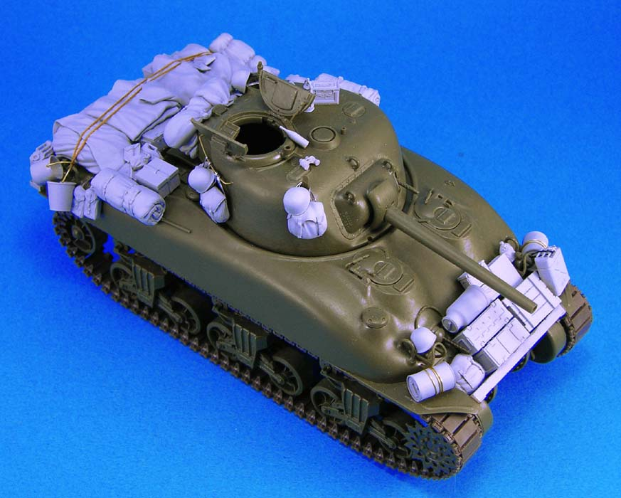 1/35 Scale Unpainted Resin Kit Package For WWII Sherman  M4A1 (NOT INCLUDE TANK)