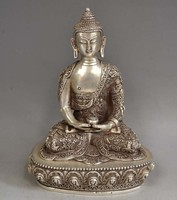 Elaborate Chinese Old Tibetan Silver Buddhism Sakyamuni Buddha Statue Buddha in Tibet metal handicraft