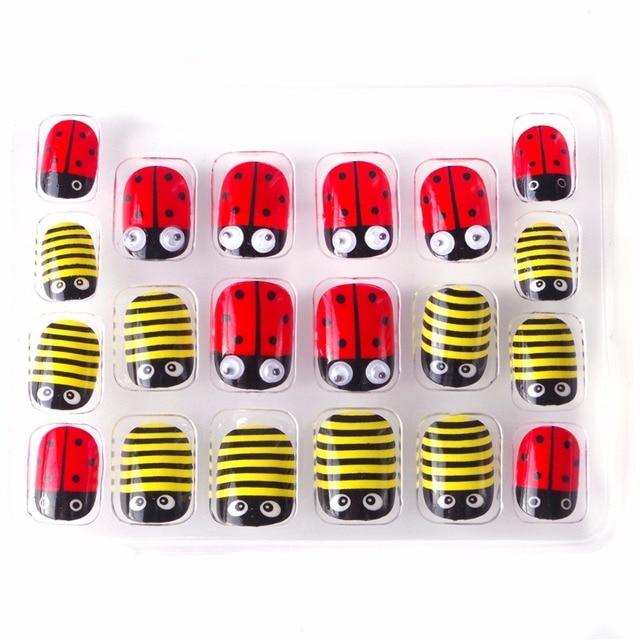 Christmas Ladybug Kawaii Children False Nails 5 Sizes 20 Pcs Pre ...