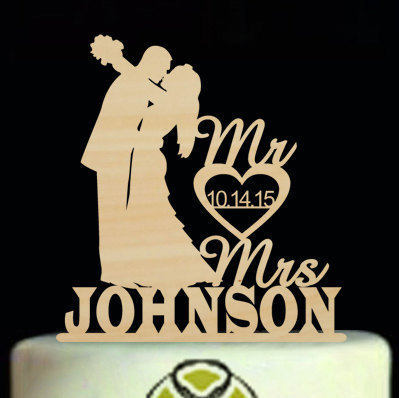Rustic Mr and Mrs Wedding Cake Topper,Unique Silhouette Wedding Cake Topper,Personalized Bride and Groom Cake Topper With Heart