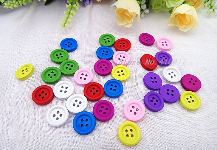 50pcs Wheat Natural 4 Hole Flat Wood Buttons Sewing Accessories Decoration 13mm