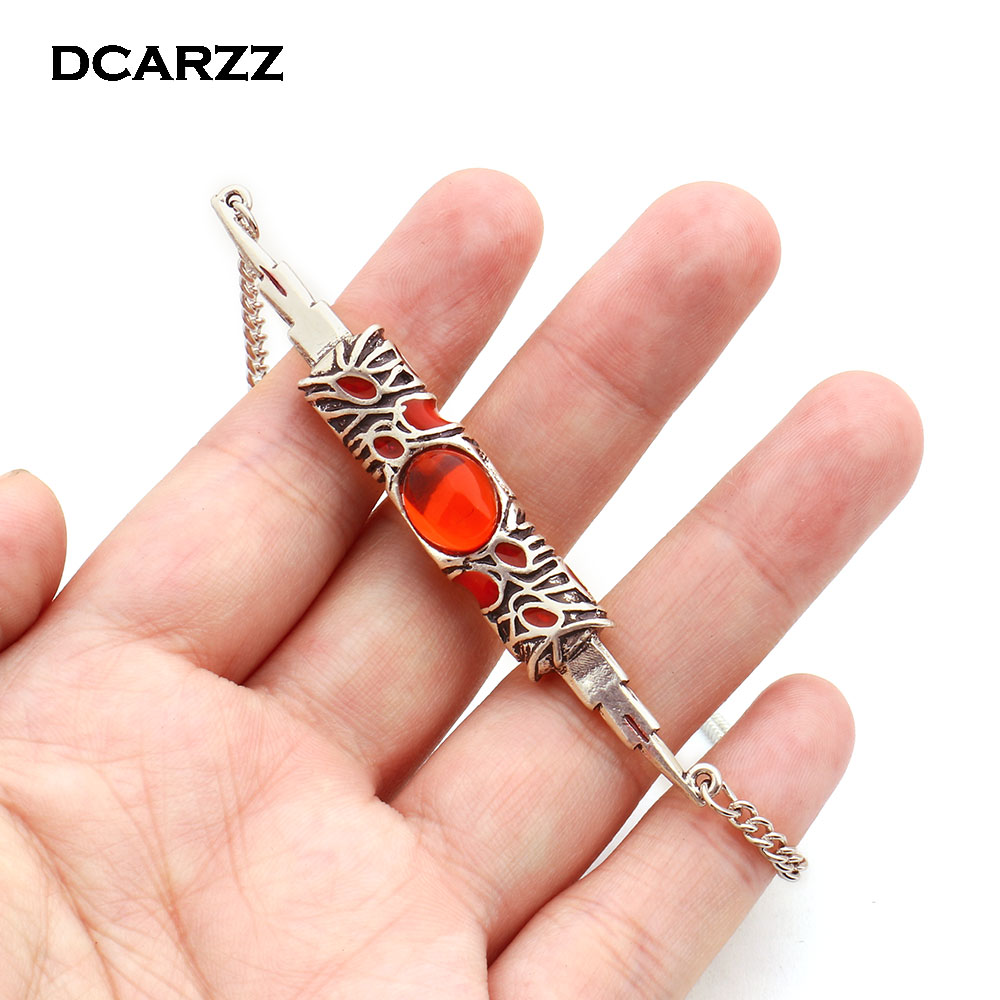 New Avengers Red Stone 3D Knife Switchblade Necklace,Infinity War Thanos and Gamora Pendant Jewelry Souvenir Drop Shipping