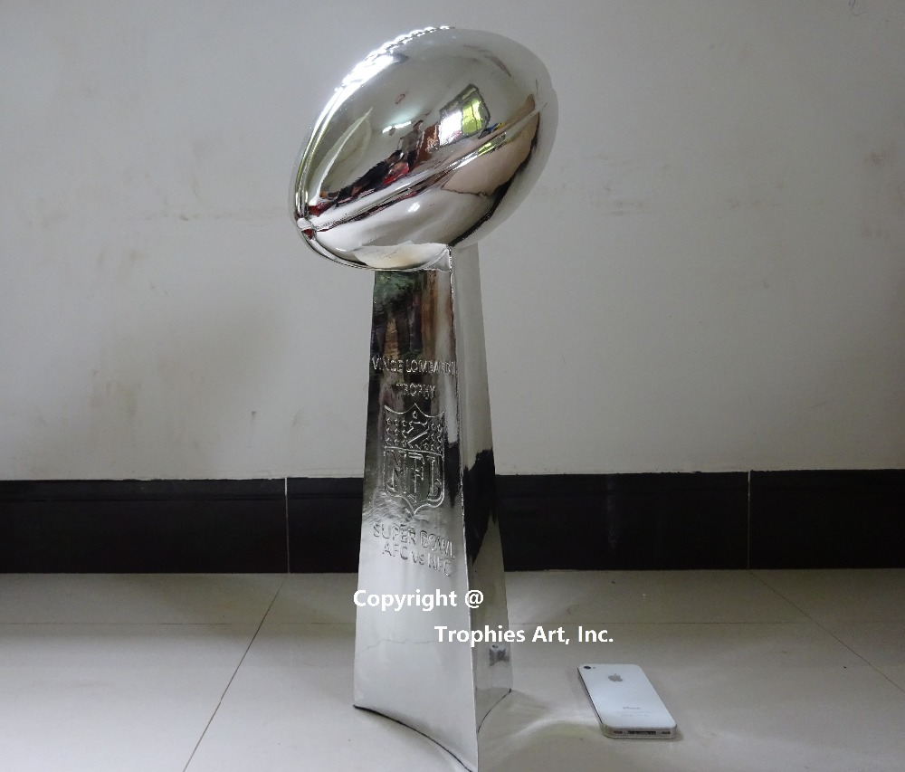 Vince Lombardi Trophy Super Bowl Trophy 22 Inches High Weight 7