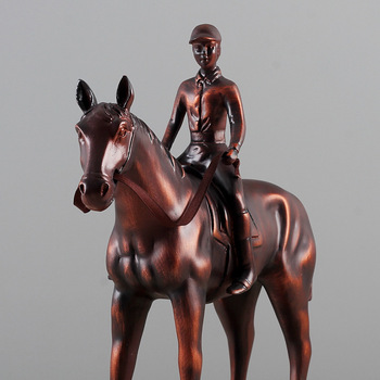 Artificial Bronze Horse Vinage War Horse Resin Ornaments Home Furnishing Decoration Desk Crafts Living Room Decor Birthday Gifts
