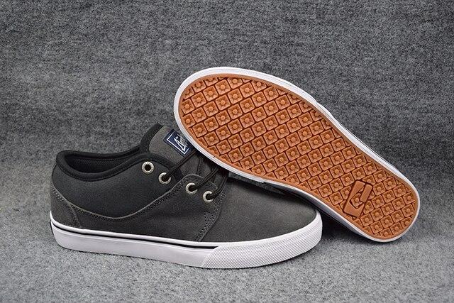 2016 GLOBO MOTLEY MID Board Sapatos Peso Leve Preto/Tabaco Arma Anti-Peles Sapatos Baixos Top