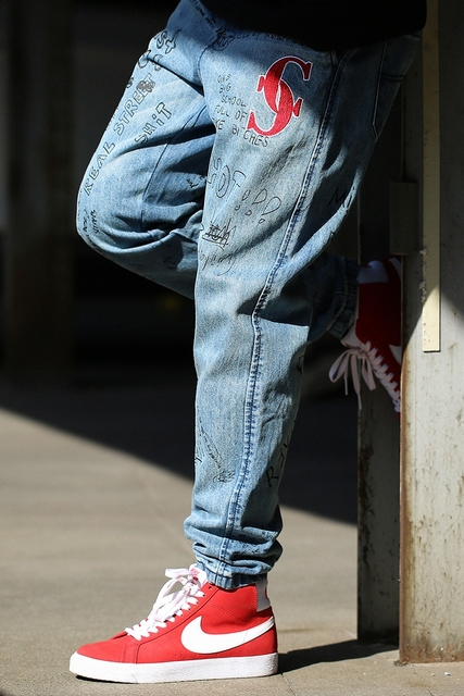 CHINISM 2018 Spring Graffiti Jeans Design Hip Hop Straight Jean Swag Men's Stylish Streetwear Denim Pants New Logo Loose Jeans