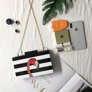 Image 5 - Kadın askılı çanta marka moda cüzdan avrupa lüks çanta zarif siyah beyaz kadın şerit akrilik Flamingo rahat debriyaj