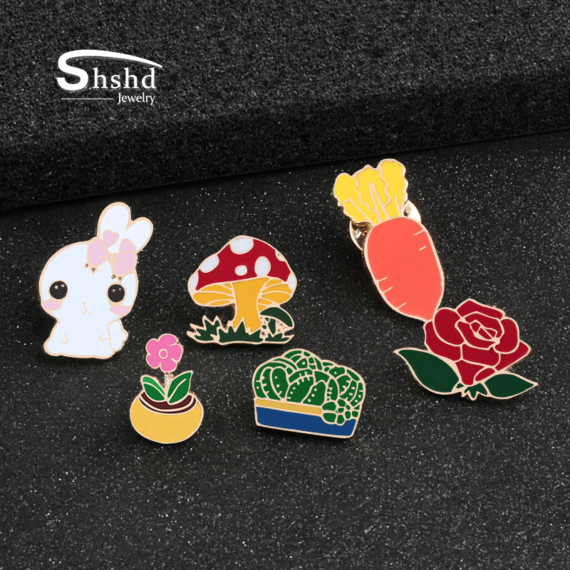 Custom Lapel Pin Brooches Cartoon Giraffe Banquet Badge Pins Trendy Accessory Jacket T-Shirt Bag Hat Shoe