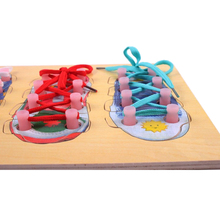Rompecabezas de madera educativo con cordones