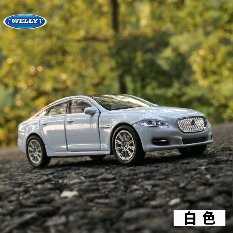 Free Shipping 1:36 For Jaguar XJ Alloy Car Toy Model With Pull Back Function Original Box Simulation Model Car Toy For Kid Gift