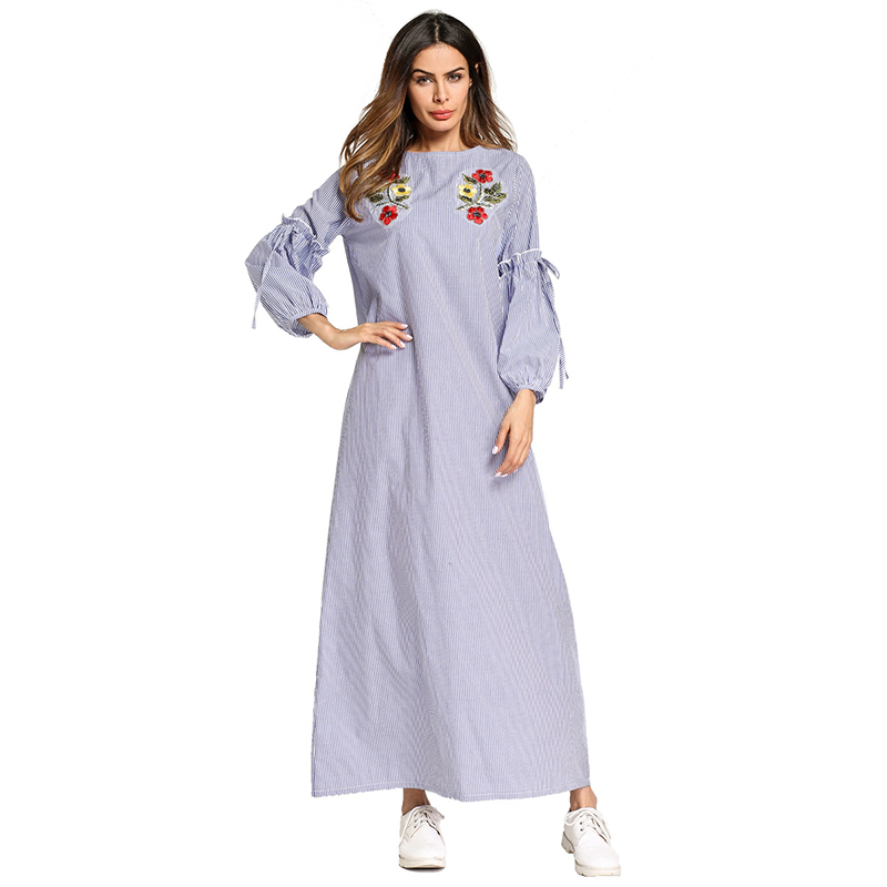 Elegant Muslim Embroidery Abaya Striped Long Robe Gowns