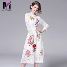 2019 Spring Vintage Women Lace Dresses High Quality Floral Embroidery Dress Hollow Out Black White Runway Robe Femme