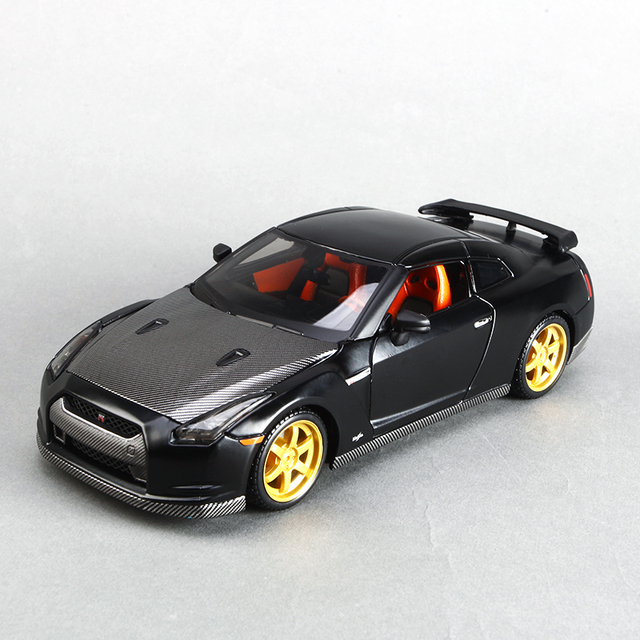 Maisto 1:24 Diecast Model Car Skyline GTR R35 Matte Black Metal Racing  Vehicle Play
