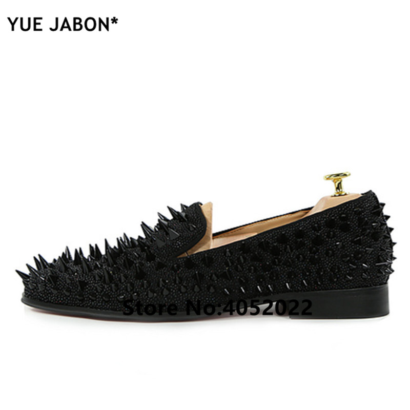 YUE Jabon luxe Designer chaussures hommes décontracté appartements rouge noir or argent cuir chaussures de mariage Rivet clouté à pointes mocassins hommes