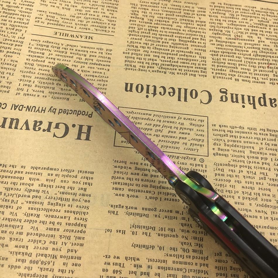 Borboleta na faca de treinamento faca de