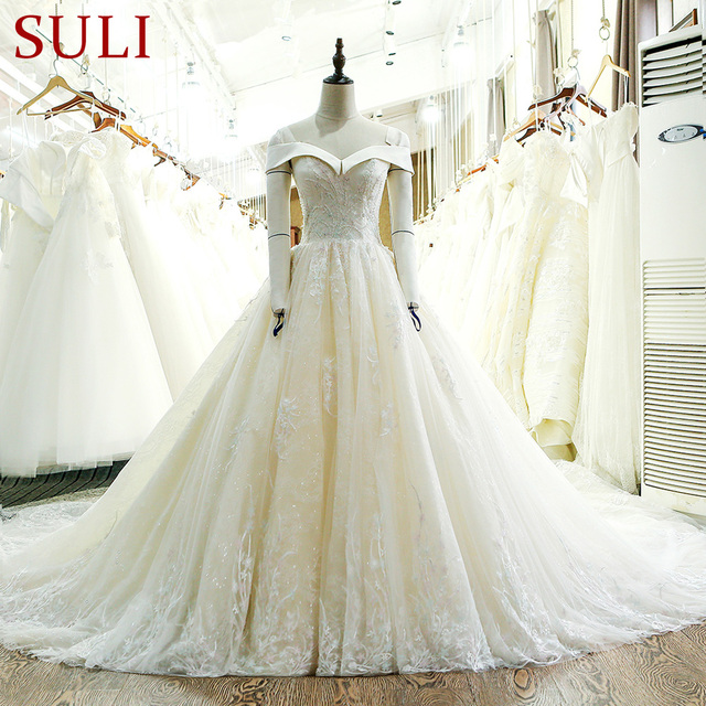 Sl 130 custom made lace long train ball gown wedding dress 2017 in sl 130 custom made lace long train ball gown wedding dress 2017 junglespirit Image collections
