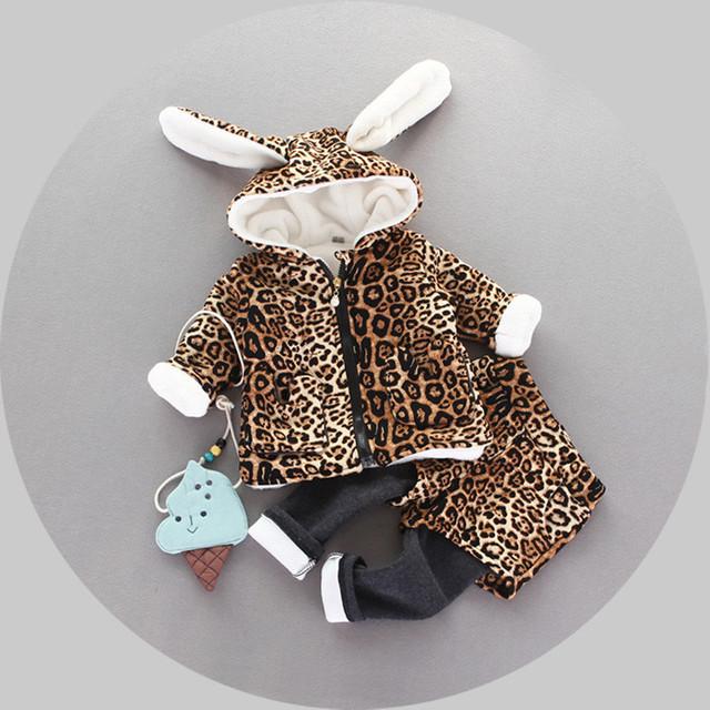 Nueva Otoño invierno Del Bebé de Terciopelo conejo de Dibujos Animados caliente Leopard Con Capucha + Pant Twinset de Manga Larga gruesa Ropa de Bebé Conjuntos