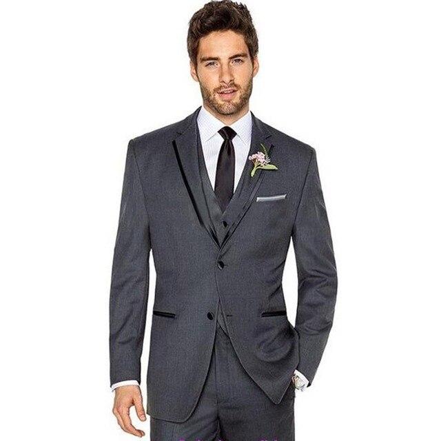 d9ffb20f6 De alta calidad gris hombres traje de solapa de pico novio Esmoquin mejor  hombre boda Trajes