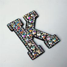 K буквы Стразы ABC Алфавит пришить железо на нашивках Радуга Сияющие Значки для имени для украшения джинсов Аппликации Ремесло украшения