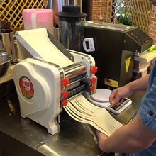 304 Freeshipping rodillo la masa de fideos que hace la máquina máquina de pasta de fideos eléctrica Comercial máquina de corte