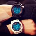 GSWP Marca De Lujo Para Hombre Relojes Deportivos de Buceo 30 m Electrónica Digital LED Reloj Militar Hombres Moda Casual Reloj de Pulsera Caliente