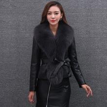 Осень-зима Для женщин куртка-бомбер из искусственного лисьего меховой воротник шить PU куртка Локомотив пальто с поясом женского Теплые; больших размеров Размеры верхняя одежда O678