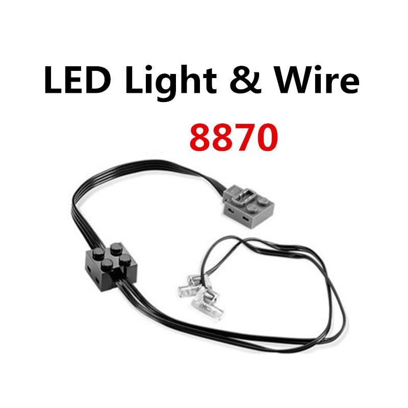 Brand New  LEGO Power Functions Light 8870