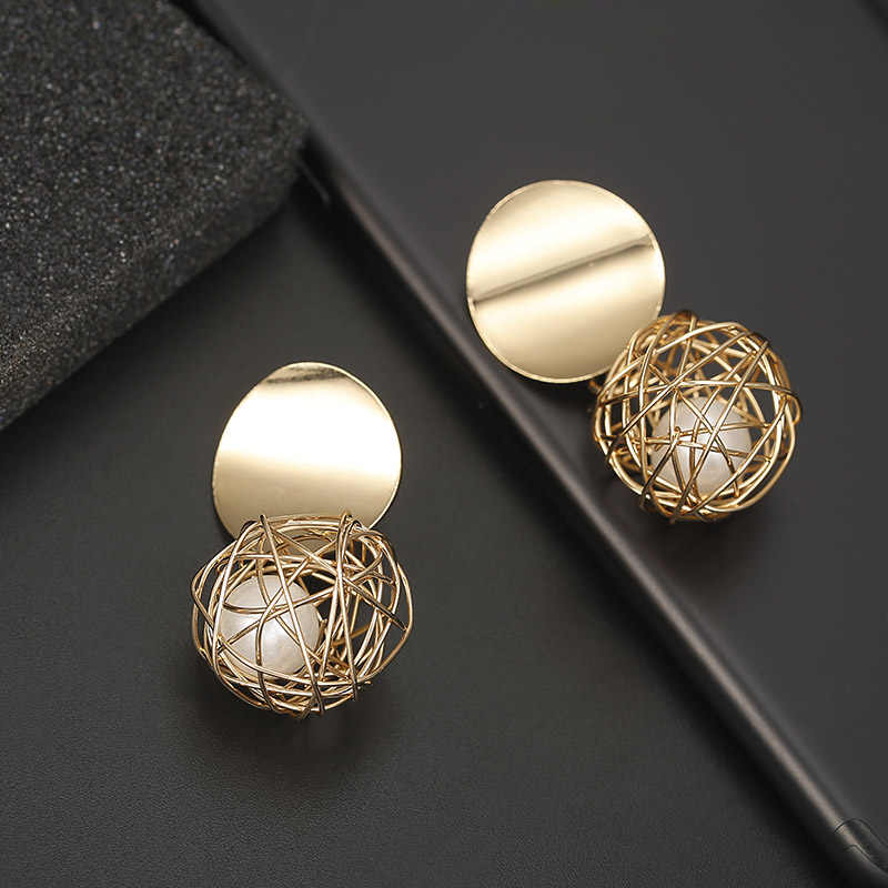 F5 Luxury Gold Metal Drop Earrings 2018 Women Fashionable Big Trendy Earrings Party Street Jewelry Personality Dangle Earrings