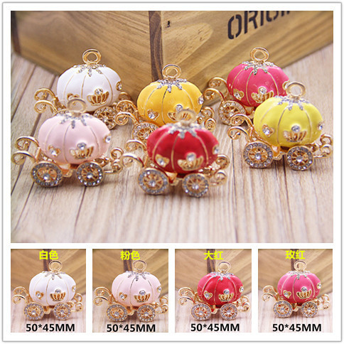 10PCS/Lot Rhinestone Crystal Decorated Gold Tone Alloy Enamel Princess Pumpkin Carriage Jewelry Necklace Pendants Wholesale